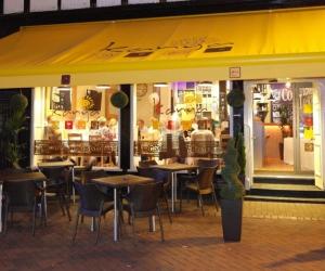 Kanya Cafe Bar & Bistro