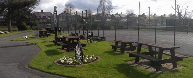 Tennis at Vickersway Park